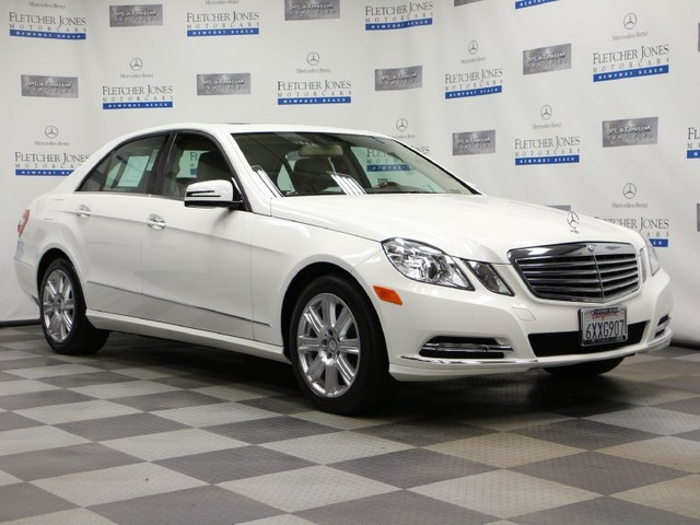 Certified Pre-Owned 2013 Mercedes-Benz E-Class E350 Luxury Rear Wheel Drive Sedan